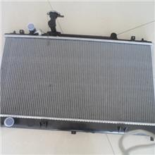 马自达M6汽车散热器