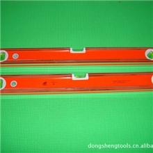 三面精铣的水平尺。底部可以带磁的水平尺,底部带V型槽的水平尺