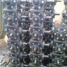 厂家直销各种机械齿轮箱玉米收获机齿轮箱农机齿轮箱