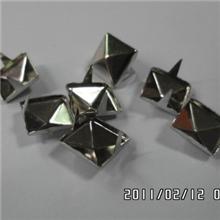 厂家直供10厘方珠,方钉,抓珠,抓钉等服装五金辅料