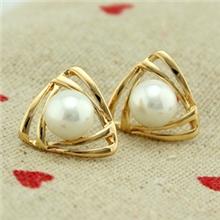 饰品批发热卖韩版小巧三角形珍珠耳钉厂家直供批发珍珠耳饰