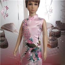 供应仿真丝斜襟旗袍(粉孔)F614
